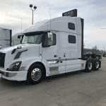 38026 VOLVO VNL64T780 CONVENTIONAL TRUCK WITH SLEEPER (38026)
