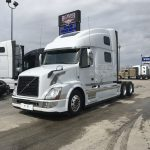 2015 VOLVO VNL64T780 CONVENTIONAL TRUCK WITH SLEEPER (38021-1)