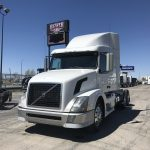 2012 VOLVO VNL64T630 CONVENTIONAL TRUCK WITH SLEEPER (38033-1)