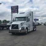2018 VOLVO VNL64T670 CONVENTIONAL TRUCK WITH SLEEPER (38050)