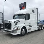 2015 VOLVO VNL64T670 CONVENTIONAL TRUCK WITH SLEEPER (38057-1)
