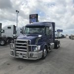 2015 VOLVO VNL64T630 CONVENTIONAL TRUCK WITH SLEEPER (38043-1)