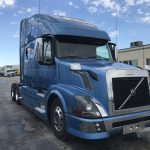 2014 VOLVO VNL64T780 CONVETIONAL TRUCK WITH SLEEPER (24104L)