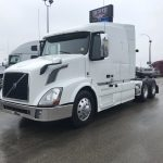 2015 VOLVO VNL64T630 CONVETIONAL TRUCK WITH SLEEPER (38074-1)