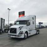 2018 VOLVO VNL64T780 CONVENTIONAL BODY WITH SLEEPER (38066)
