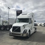 2018 VOLVO VNL64T670 CONVENTIONAL TRUCK WITH SLEEPER (38100)