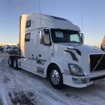 2013 VOLVO VNL64T780 CONVENTIONAL TRUCK WITH SLEEPER (3727)