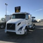 2018 VOLVO VNR64T400 CONVENTIONAL TRUCK WITH SLEEPER (38104)