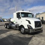 2018 VOLVO VNL64T300 CONVENTIONAL TRUCK WITH SLEEPER (38107)