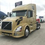 2013 VOLVO VNL64T670 CONVENTIONAL TRUCK WITH SLEEPER (37150-1)