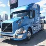 2015 VOLVO VNL64T780 CONVENTIONAL TRUCK WITH SLEEPER (3730)