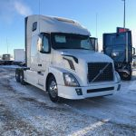 2014 VOLVO VNL64T670 CONVENITONAL TRUCK WITH SLEEPER (37151-1)