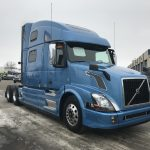 2015 VOLVO VNL64T780 CONVENTIONAL TRUCK WITH SLEEPER (3731)
