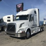 2014 VOLVO VNL64T670 CONVENTIONAL TRUCK WITH SLEEPER (38150-1)