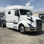 2019 VOLVO VNL64T740 CONVENTIONAL TRUCK WITH SLEEPER (39017)