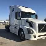 2013 VOLVO VNL64T670 CONVENTIONAL TRUCK WITH SLEEPER (3807C)