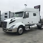 2019 VOLVO VNL64T740 CONVENTIONAL TRUCK WITH SLEEPER (39015)
