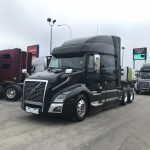 2019 VOLVO VNL64T740 CONVENTIONAL TRUCK WITH SLEEPER (39084)