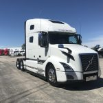 2019 VOLVO VNL64T760 CONVENTIONAL TRUCK WITH SLEEPER (39102)