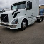 2014 VOLVO VNL64T630 CONVENTIONAL TRUCK WITH SLEEPER (3818)
