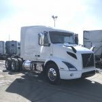 2019 VOLVO VNL64T640 CONVENTIONAL TRUCK WITH SLEEPER (39058)