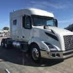 2019 VOLVO VNL64T740 CONVENTIONAL TRUCK WITH SLEEPER (39036)