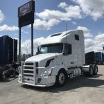 2007 VOLVO VNL64T670 CONVENTIONAL TRUCK WITH SLEEPER (39044-1)