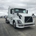 2014 VOLVO VNL64T630 CONVENTIONAL TRUCK WITH SLEEPER (3817)