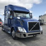 2014 VOLVO VNL64T780 CONVENTIONAL TRUCK WITH SLEEPER (3820)