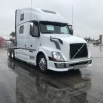 2015 VOLVO VNL64T780 CONVENTIONAL TRUCK WITH SLEEPER (15001L)