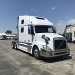 2014 VOLVO VNL64T780 CONVENTIONAL TRUCK WITH SLEEPER (39023-1)