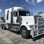 2010 WESTERN STAR  4900FA CONVENTIONAL TRUCK WITH SLEEPER (38063-2)