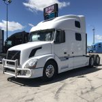 2009 VOLVO VNL64T780 CONVENTIONAL TRUCK WITH SLEEPER (3821-1)