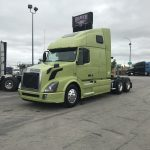 2013 VOLVO  VNL64T670 CONVENTIONAL TRUCK WITH SLEEPER (3828C)
