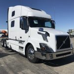 2015 VOLVO VNL64T780 CONVENTIONAL TRUCK WITH SLEEPER (15018L)