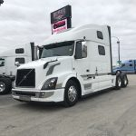 2017 VOLVO VNL64T780 CONVENTIONAL TRUCK WITH SLEEPER (3833)