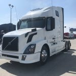 2015 VOLVO VNL64T670 CONVENTIONAL TRUCK WITH SLEEPER (3838)