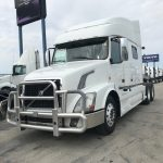 2014 VOLVO VNL64T730 CONVENTIONAL TRUCK WITH SLEEPER (3903C)