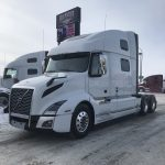 2020 VOLVO VNL64T860 CONVENTIONAL TRUCK WITH SLEEPER (40015)