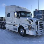 2014 VOLVO VNL64T730 CONVENTIONAL TRUCK WITH SLEEPER (3902C)