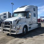 2013 VOLVO VNL64T780 CONVENTIONAL TRUCK WITH SLEEPER (3907C)