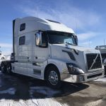 2016 VOLVO VNL64T780 CONVENTIONAL TRUCK WITH SLEEPER (3905)