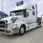 2015 VOLVO VNL64T780 CONVENTIONAL TRUCK WITH SLEEPER (40030-1)