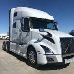 2020 VOLVO VNL64T760 CONVENTIONAL TRUCK WITH SLEEPER (40080)