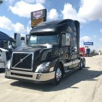2016 VOLVO VNL64T780 CONVENTIONAL TRUCK WITH SLEEPER (3911)
