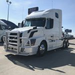 2016 VOLVO VNL64T670 CONVENTIONAL TRUCK WITH SLEEPER (16035L)