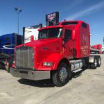 2005 KENWORTH T800 CONVENTIONAL TRUCK WITH SLEEPER (39241-1)