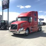 2013 VOLVO VNL64T780 CONVENTIONAL TRUCK WITH SLEEPER (3814)