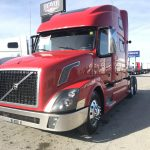 2015 VOLVO VNL64T780 CONVENTIONAL TRUCK WITH SLEEPER (3913)