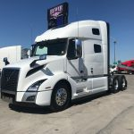 40179 VOLVO VNL64T760 CONVENTIONAL TRUCK WITH SLEEPER (40179)